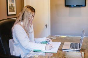 Read more about the article Comment choisir la meilleure formation pour investir dans l'immobilier ?